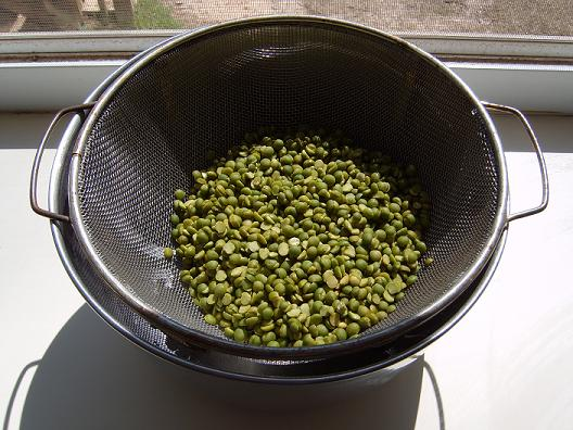 Split peas — rinsed and sorted